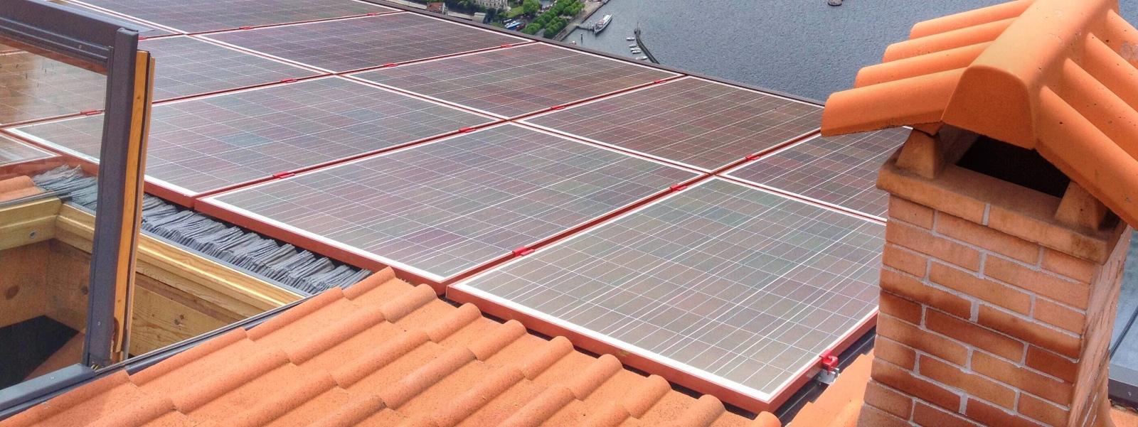 impianto fotovoltaico rosso - integrazione architettonica